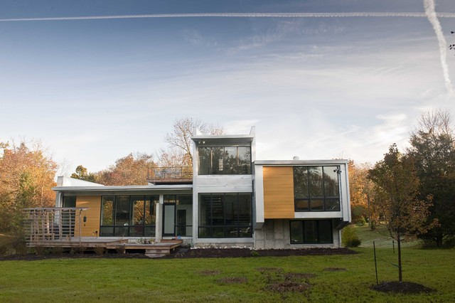 Fr residence contemporary exterior indianapolis by the redevelopment group for Exterior home improvement indianapolis