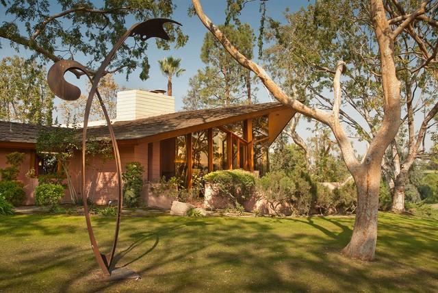Frank lloyd wright ablin house bakersfield california for Frank lloyd wright houses in california