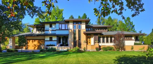 Frank Lloyd Wright Inspired House Craftsman Exterior