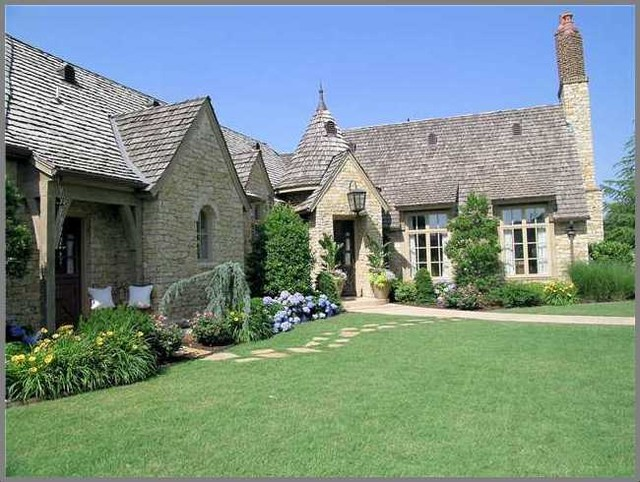 French farmhouse 2 traditional exterior oklahoma for Traditional farmhouse plans