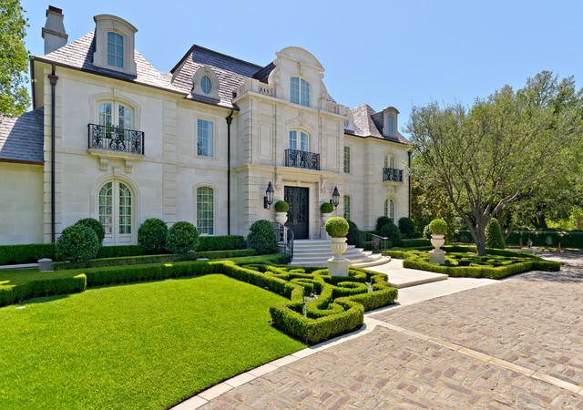 Formal Residential Estate & Garden traditional-exterior