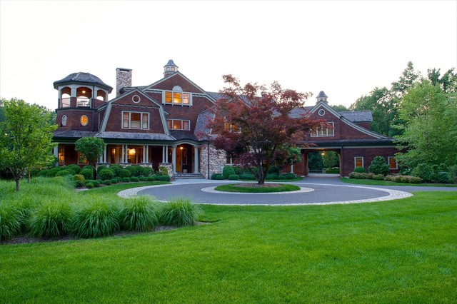Custom homes traditional exterior new york by rr for Questions to ask a custom home builder