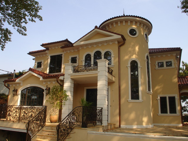 Front elevation mediterranean exterior new york by for Arvida decoration inc