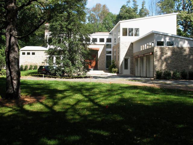 Short Hills house contemporary-exterior
