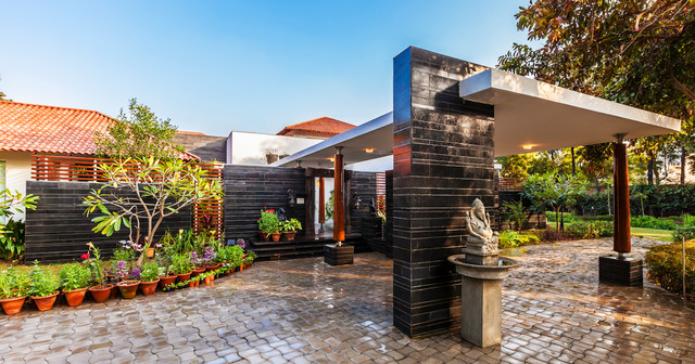 G Farmhouse Indian Exterior Delhi By Kumar Moorthy: farmhouse design plans india