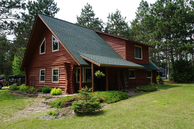 GAF Timberline HD Shingles Hunter Green on Red Log House – Hunter Green Roof Shingles