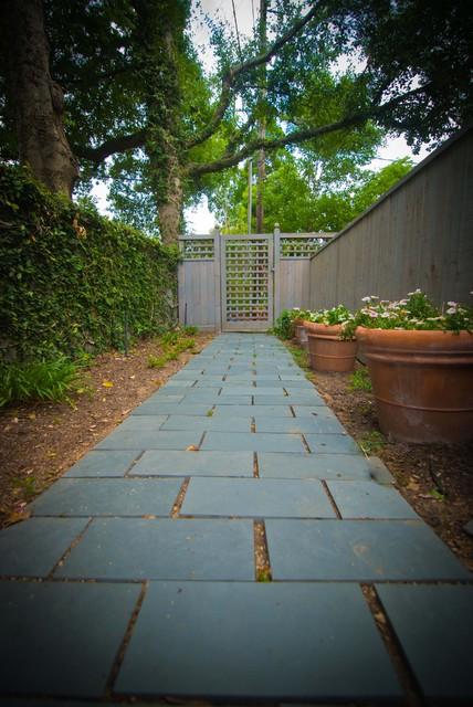 Garden in Houston traditional-exterior