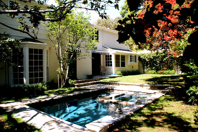 Garden traditional-exterior