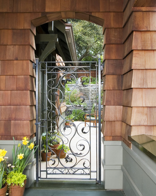 Gate traditional-exterior
