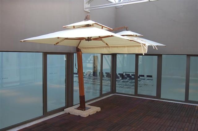 Gemelli Offset Heavy Duty Patio Umbrella Exterior