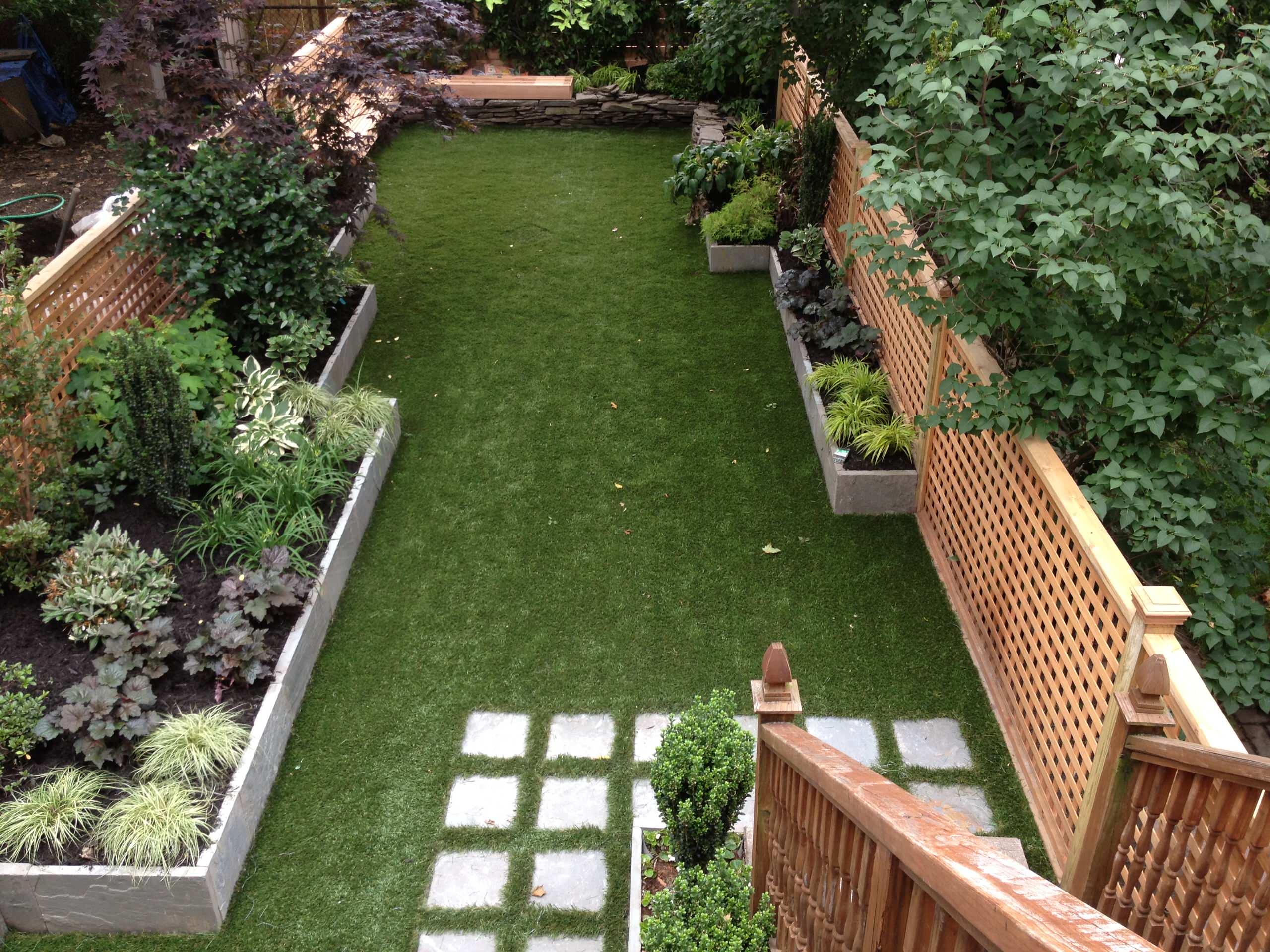 Geometrical garden with SynLawn grass