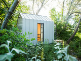 6 Cozy Outbuildings That Feel Like Cabins in the Woods (23 photos)