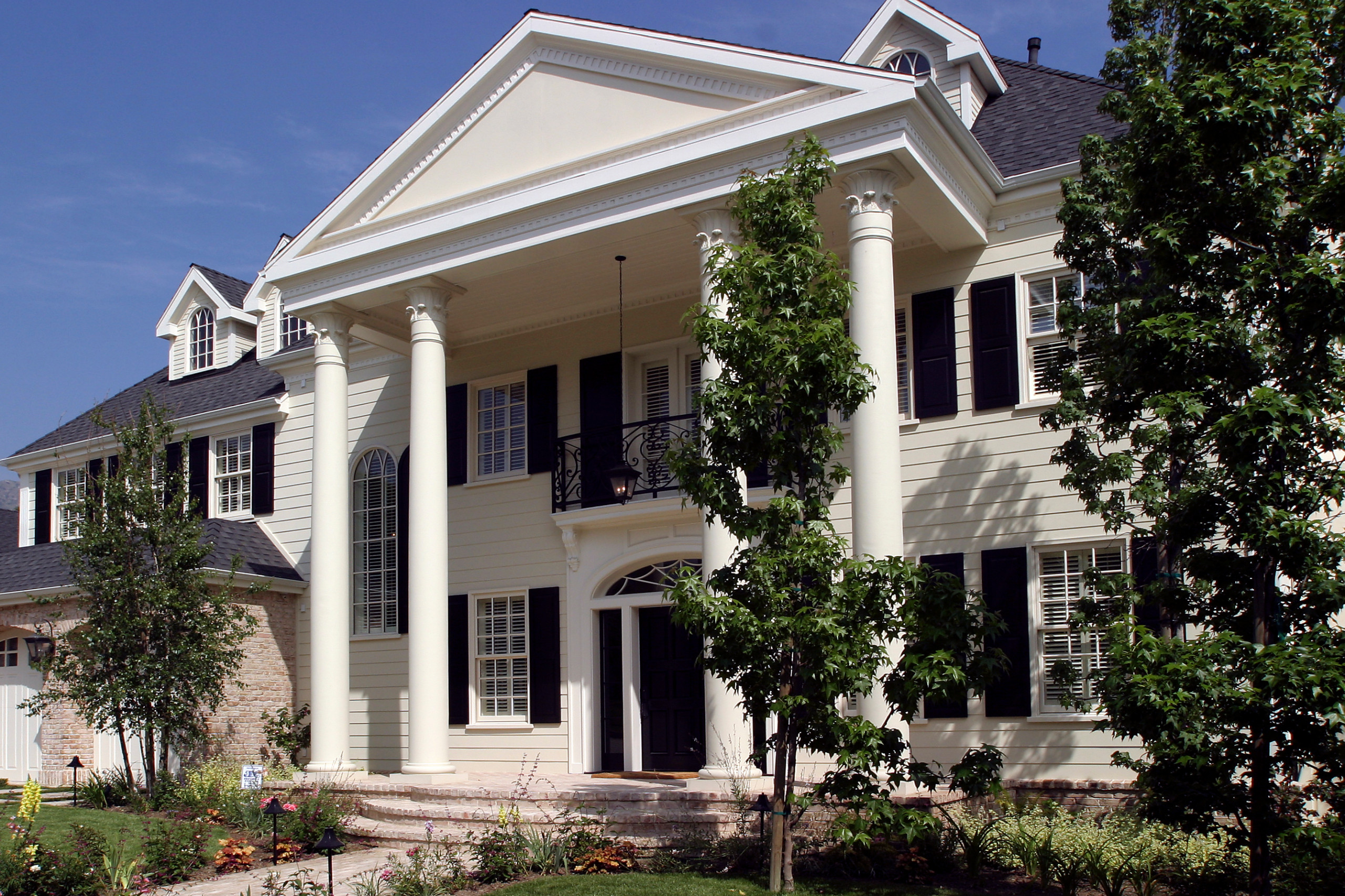 Georgian Residence in Los Angeles