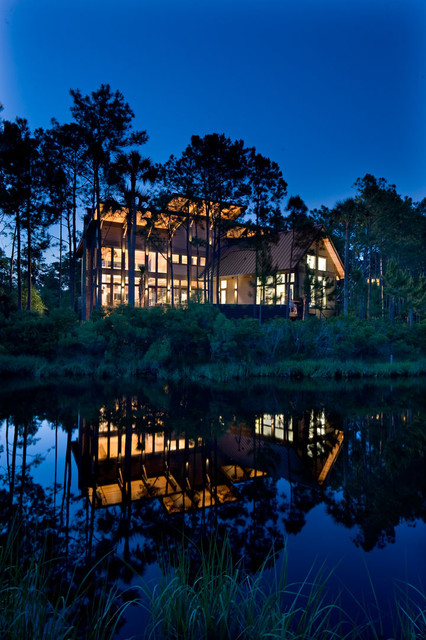 Glass house on the pond contemporary-exterior