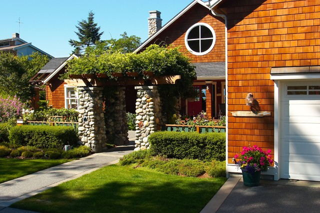 View to entry courtyard eclectic exterior seattle for Entry courtyard design ideas