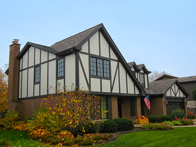 Tudor style home glenview il in james hardie fiber for Tudor siding