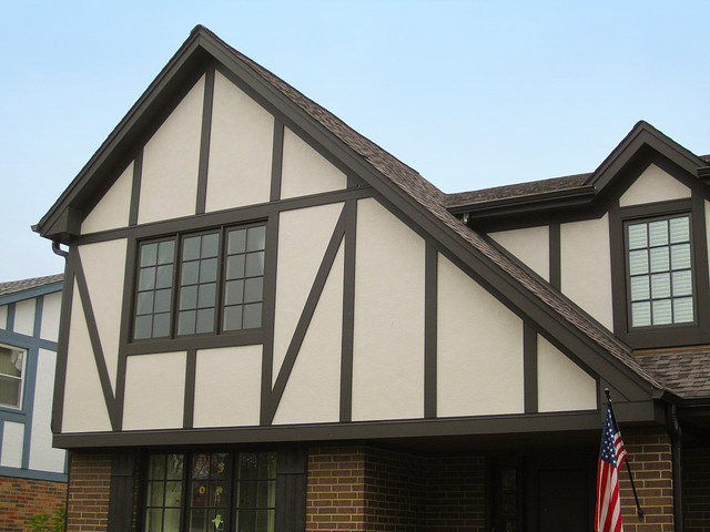 Glenview il siding tudor style james hardie siding for Tudor siding