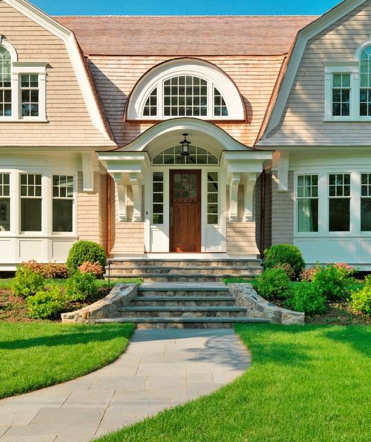 Houzz Home Design Exterior Entrance: Graceful Gambrel