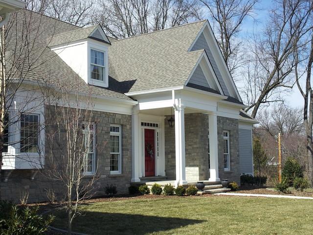 Elegant exterior home photo in St Louis