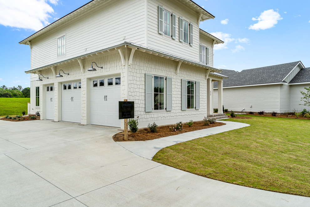 Exterior home idea in Other