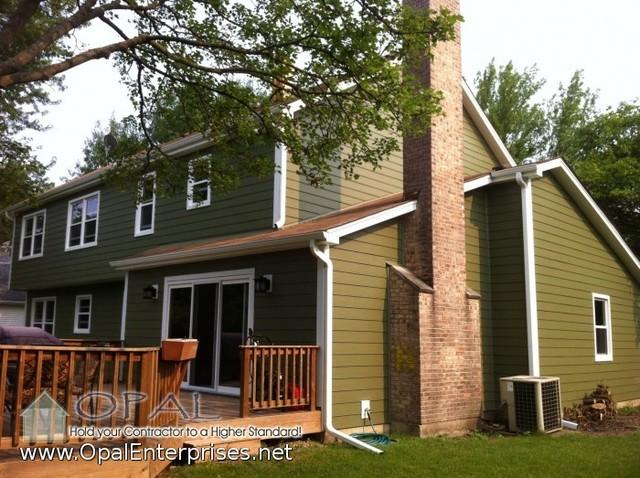 Building Exterior Sage Siding : Green house with mountain sage james hardie siding vinyl