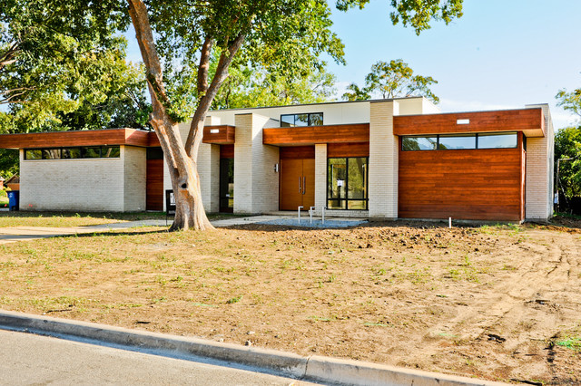 Greico modern homes sleepy project dallas modern for Contemporary home builders dallas