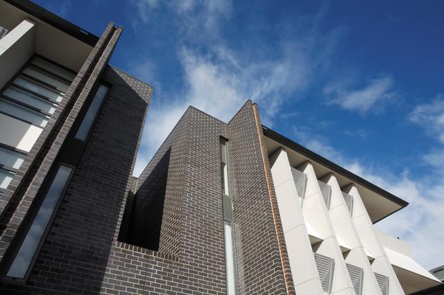 Griffin apartments exterior modern exterior for Modern exterior building materials