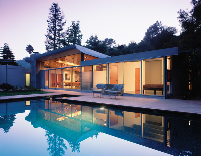 GRIFFIN ENRIGHT ARCHITECTS: Benedict Canyon Residence modern-exterior