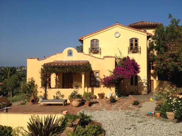 Hacienda house for American home design los angeles