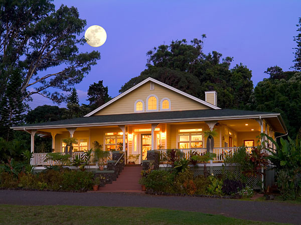 Haiku plantation style home for Hawaiian plantation architecture