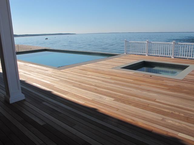 Hamptons Beach Home On Peconic Bay Style Exterior