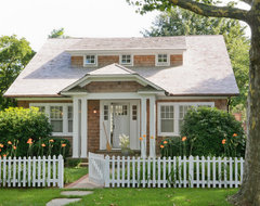 Hamptons Cottage traditional-exterior