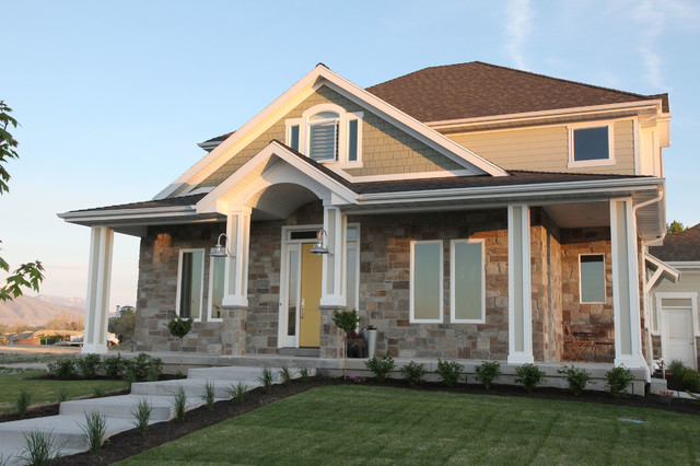 Mid-sized craftsman green three-story mixed siding exterior home idea in Salt Lake City