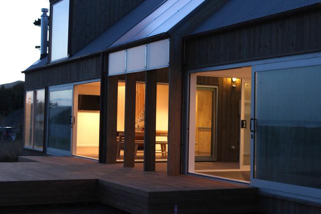 Exterior Napierhastings Herbertville Bach beach-style-exterior