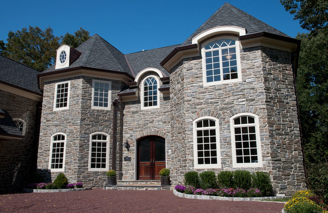 Heritage mica thin stone veneer traditional exterior for Stone veneer house pictures