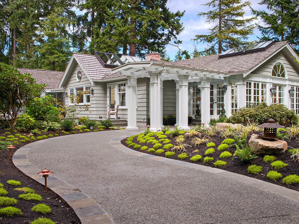 Traditional one-story exterior home idea in Seattle