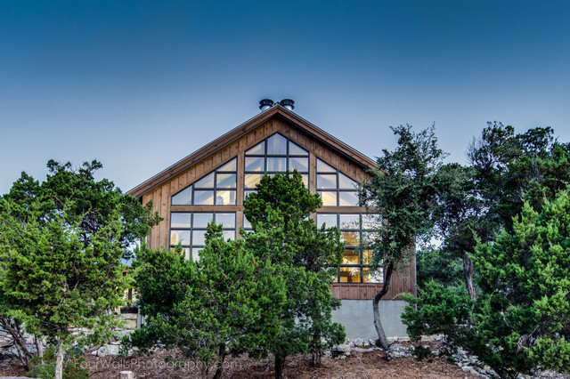 Hill Country Farmhouse On Lake Travis
