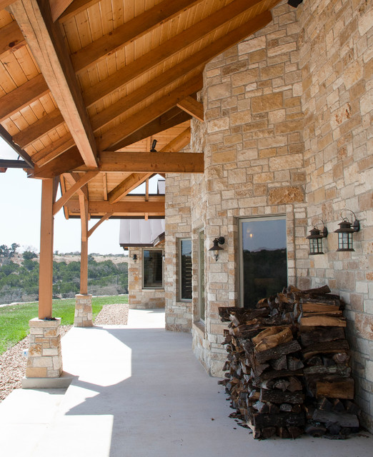 Hill Country Home - Timber Kingpost traditional-exterior