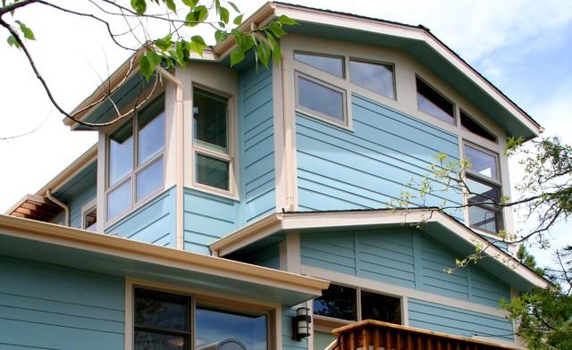 Example of an exterior home design in Denver