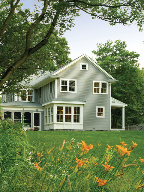 Historic farm house for Modern colonial home exterior