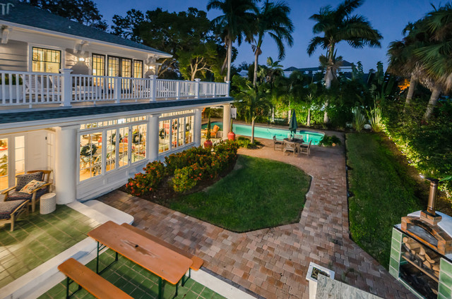 Example of a transitional exterior home design in Tampa
