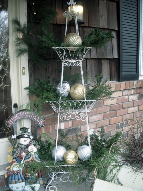 Christmas Decor 101 Front Door Theme | Wellborn Cabinet Blog