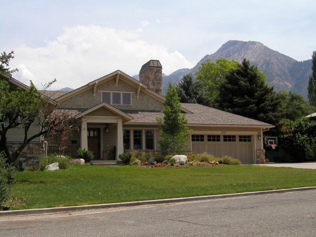 Holiday Home traditional-exterior