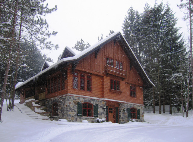 Holimont Chalet Rustic Exterior Other Metro By