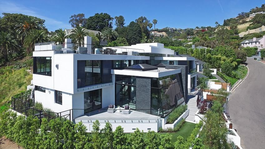 Example of a trendy exterior home design in Los Angeles