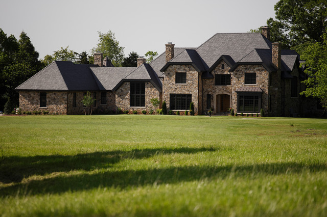Homes traditional-exterior