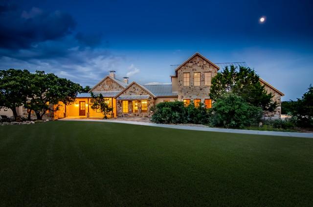 Horseshoe Bend farmhouse-exterior