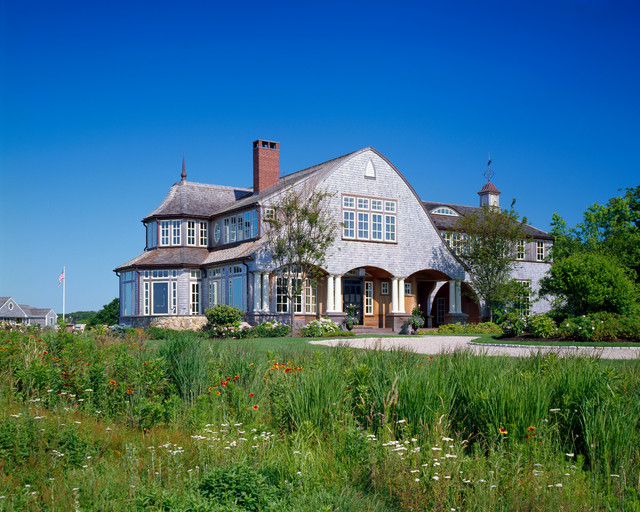 Hous e On Oyster River traditional-exterior