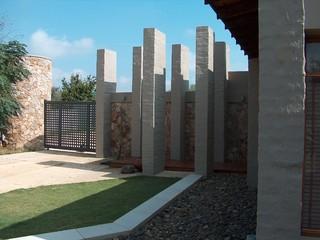 House Hefer, Pretoria, South Africa - Contemporary - Exterior - other