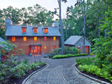 eclectic exterior How to Give Your Driveway and Front Walk More Curb Appeal (7 photos)